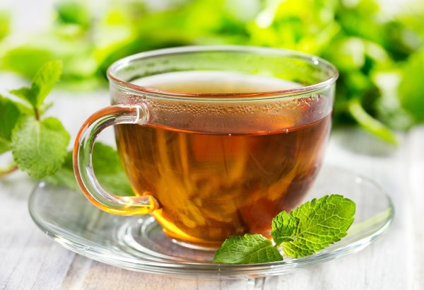 Чай из лекарственной мелиссы, липового цвета и мяты