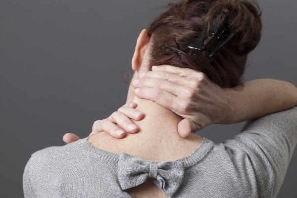 Пульсирующая боль в затылке слева