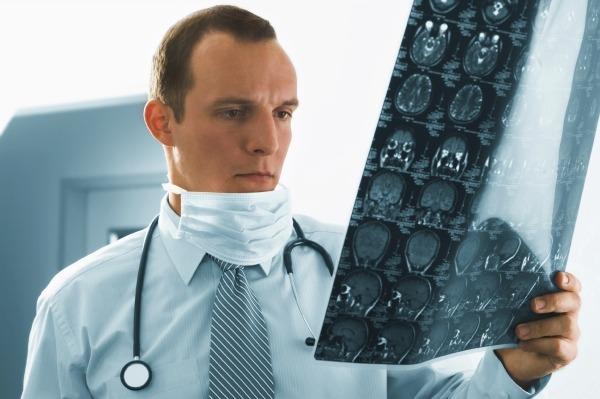 Снимок черепно-мозговой травмы