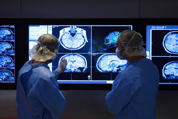 Обследование нейрохирургом