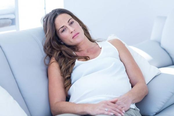 Депрессия при беременности: что делать и как помочь себе?